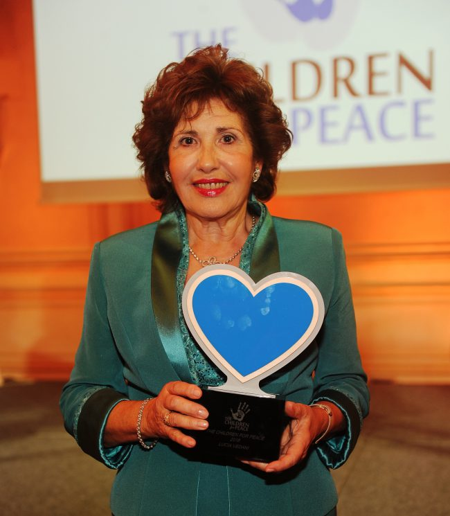 The Children For Peace premia Lucia Vedani, fondatrice di CasAmica